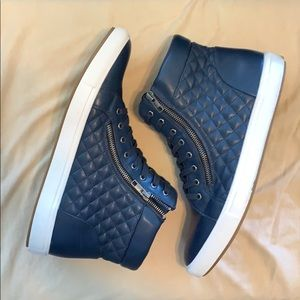 MENS STEVE MADDEN SIZE 13 QUILTED ZIP UP SNEAKERS